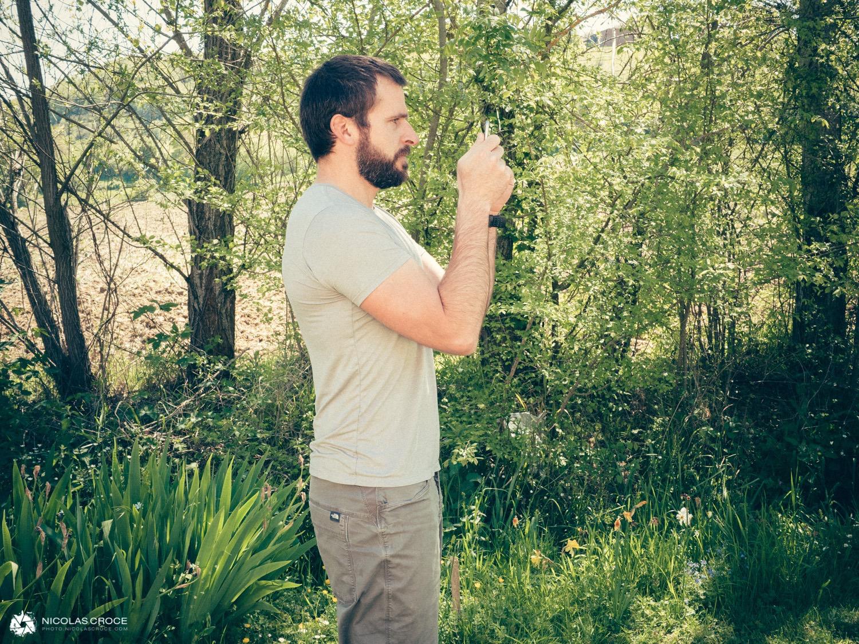 comment tenir smartphone photo