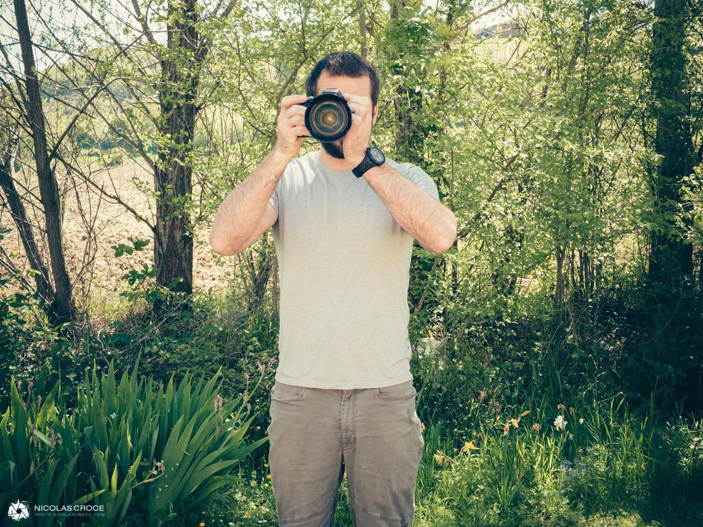 mauvaise position tenir son appareil photo